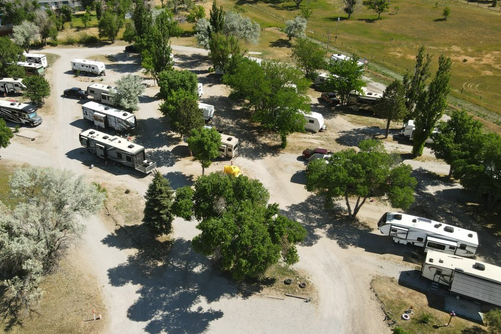 looking-down-at-parked-rvs-captain-critters-country-campground
